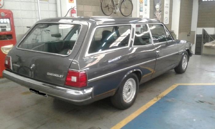 Associado Clube do Opala SP - Caravan Comodoro 1982 Cinza Prata Escuro Metálico Automática 6 Cilindros