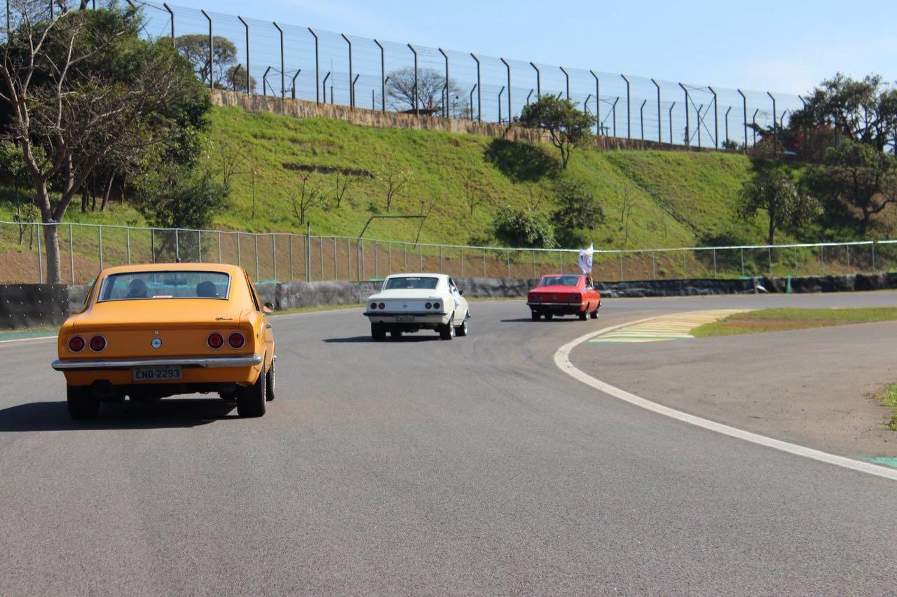 Old Stock Race 2016 - Terceira Prova em Interlagos - 15/05/2016 - Desfile de Clubes