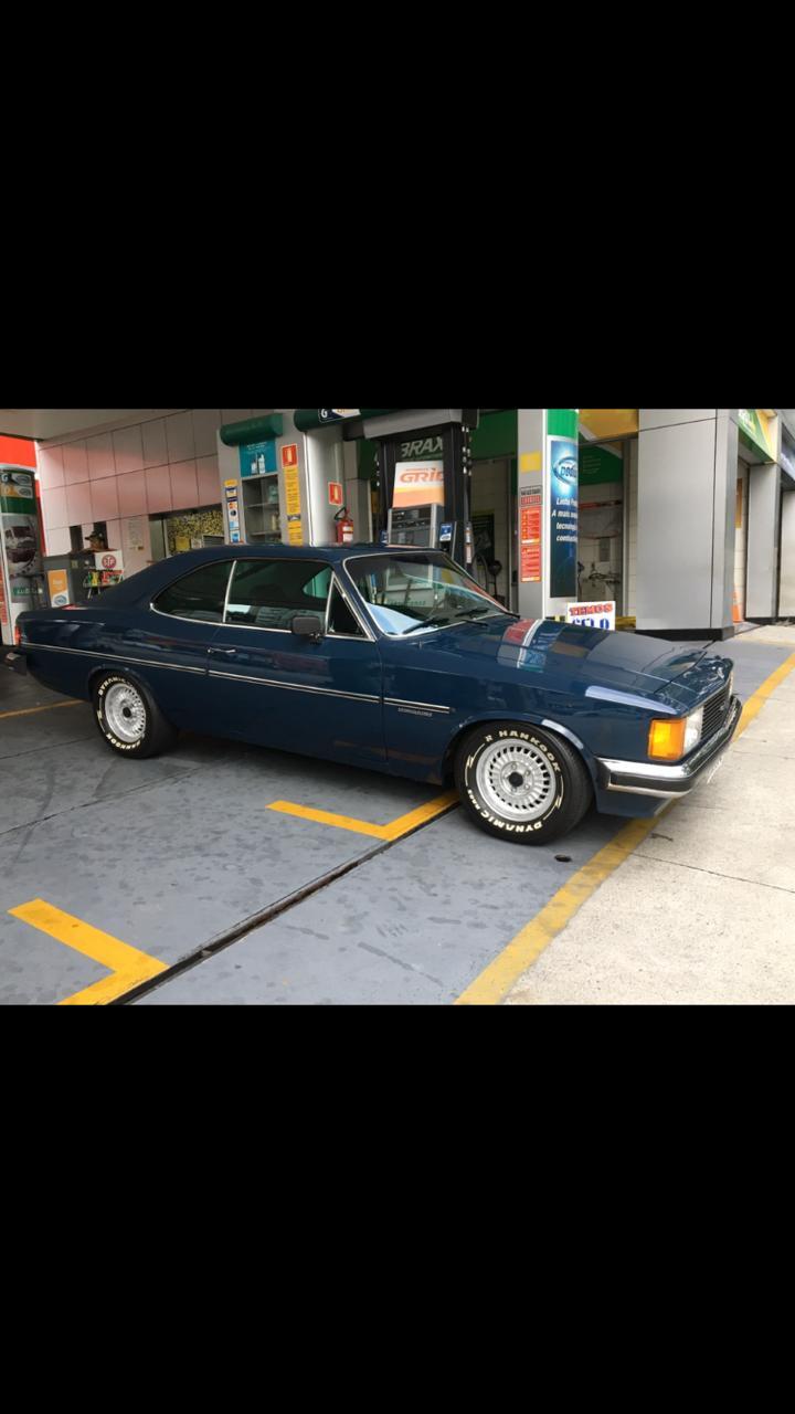Associado Clube do Opala SP - Opala Comodoro 1980 Azul - 6 Cilindros 4100 250-S